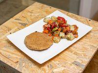 Hamburguesa vegetariana con verduras al horno