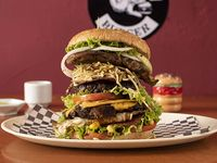 Molotov Burger (Carne, pollo, chuleta Especial)