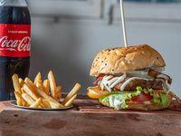 Promo Burger completa + papas fritas + gaseosa 500 ml