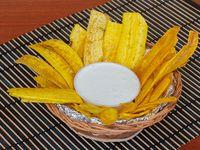 Chips de Plátano con Suero Costeño