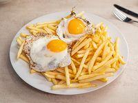 Papas fritas más 2 huevo frito