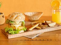 Hamburguesa doble veggie con papas rústicas