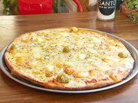 16. Pizza cuatro quesos