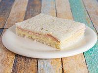 Sándwich de miga triple jamón y queso x unidad