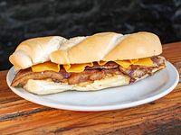Sándwich de bondiola base con queso cheddar