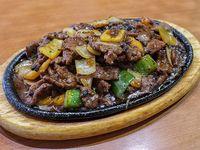 Carne con salsa pimienta negra