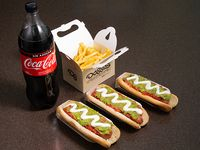 Trío Box - 3 hot dogs 19 cm + papas fritas familiar + bebida 1.5 L