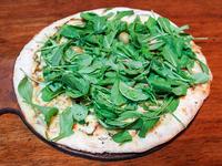 Pizza con mozzarella y rúcula chica