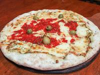 Pizza con mozzarella grande