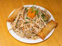 Menú 1 - Chop suey de pollo + 2 arrolladitos primavera + gaseosa Coca Cola 220 ml