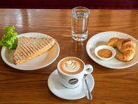 Promo - Medialuna + sándwich de miga + cappuccino italiano o espresso