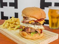Game over burger con papas fritas