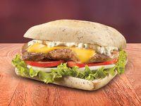 Sándwich de Pechuga de Pollo con Queso