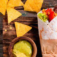 Super Combo Burrito Mediano + Porción de Nachos + Gaseosa