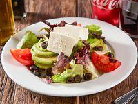Almuerzo - Ensalada queso fresco mini + gaseosa linea Coca-Cola 350 ml