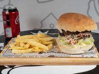 Combo Hamburguesa clásica + papas fritas + bebida lata de 350 cc