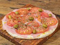 Pizza napolitana con jamón (8 porciones)