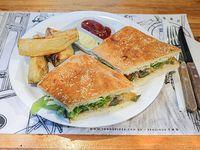 Sándwich vegetariano de pan integral