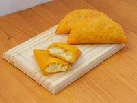 Empanada de queso grande