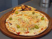 Promo - Pizza con muzzarella mediana + 2 empanadas