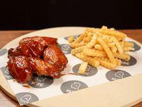 Buffalo wings + papas fritas