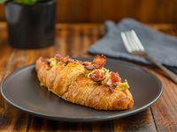Croissant relleno huevo/bacón