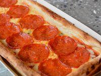 Pizza Pepperoni & Queso Azul