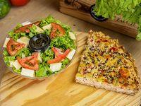 Menú saludable 5 -Ensalada de queso + tarta de pollo