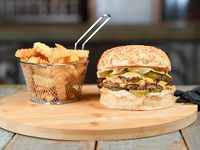 Combo - Delorean burger + papas crinkles