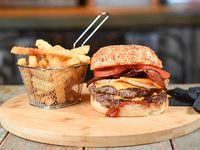 Combo - Falcon doble burger + papas crinkles