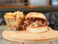Combo - Harley simple burger + papas crinkles