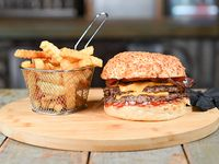 Combo - Doble kill burger + papas crinkles