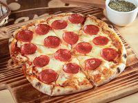 Pizza con pepperoni (32 cm)