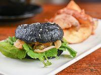 Promo - Black bagel salmón + papas rústicas