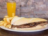 Combo - Sándwich de lomo + papas fritas + bebida a elección