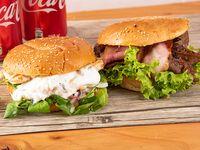 Promo 8 - Sándwich special Barinas + sándwich indu + 2 bebidas en lata 350 ml