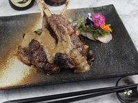 Stir lamb with truffle sauce