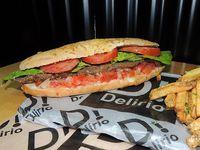 Sándwich de milanesa criolla