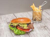 Sándwich toscana con papas fritas (porción 150 g)
