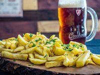 Papas fritas cibu cheese (para tres personas)