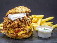 Combo Burger Point- Dos Hamburguesas Burger Point acompañadas de papas