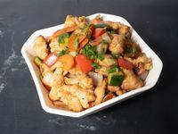 Crocante de pollo con verduras salteadas