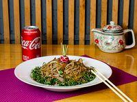 Chaw mien de verdura + Coca-Cola 220 ml