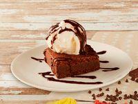 Brownie Caliente con Helado