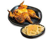 Pollo entero con salsa y Macarrones con Queso