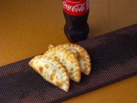 Promo - 3 empanadas + Coca-Cola o Levité 500cc