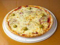 Pizza mozzarella con jamón