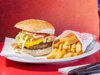 Promo - Sándwich de hamburguesa + papas fritas + gaseosa línea Pepsi  500 ml