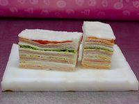 8 sándwiches triples surtidos clásicos