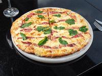 Pizzeta 2-3 pers, jamón crudo, rúcula, parmesano